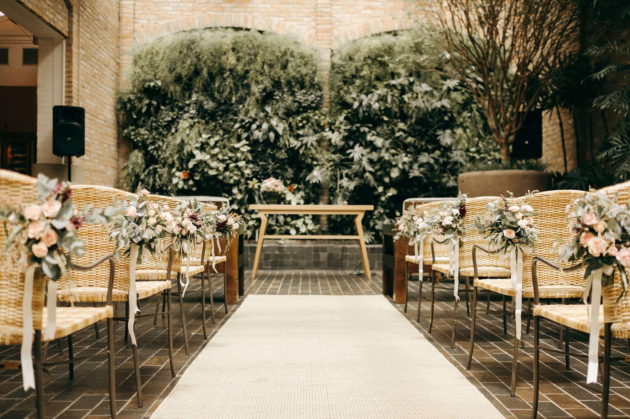 decoração de cerimônia de casamento no restaurante